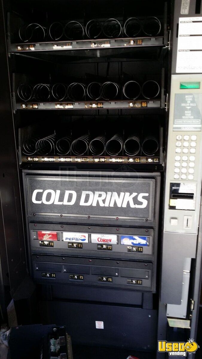 Snack Soda Cold Food Machines Combo Vending Machines