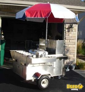 Willy Dog Hummer Hot Dog Cart