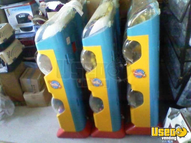 Tomy Gacha Toy Capsule Vending Machines Bulk Capsule